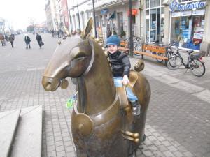 Achtbeiniges Pferd, Kaiserbrunnen, Friedrich II Konstanz